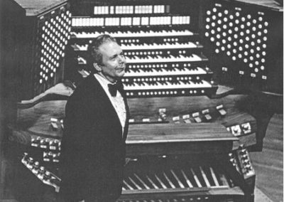 Virgil Fox, an american rodger organist known for playing heavy organs